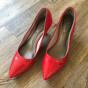 🎈Life Stride red pumps